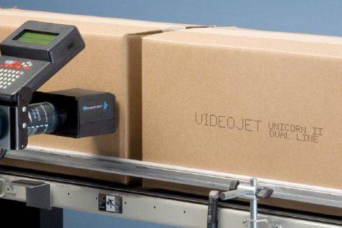 利用按需货箱喷码机帮助降低复杂性并节约成本